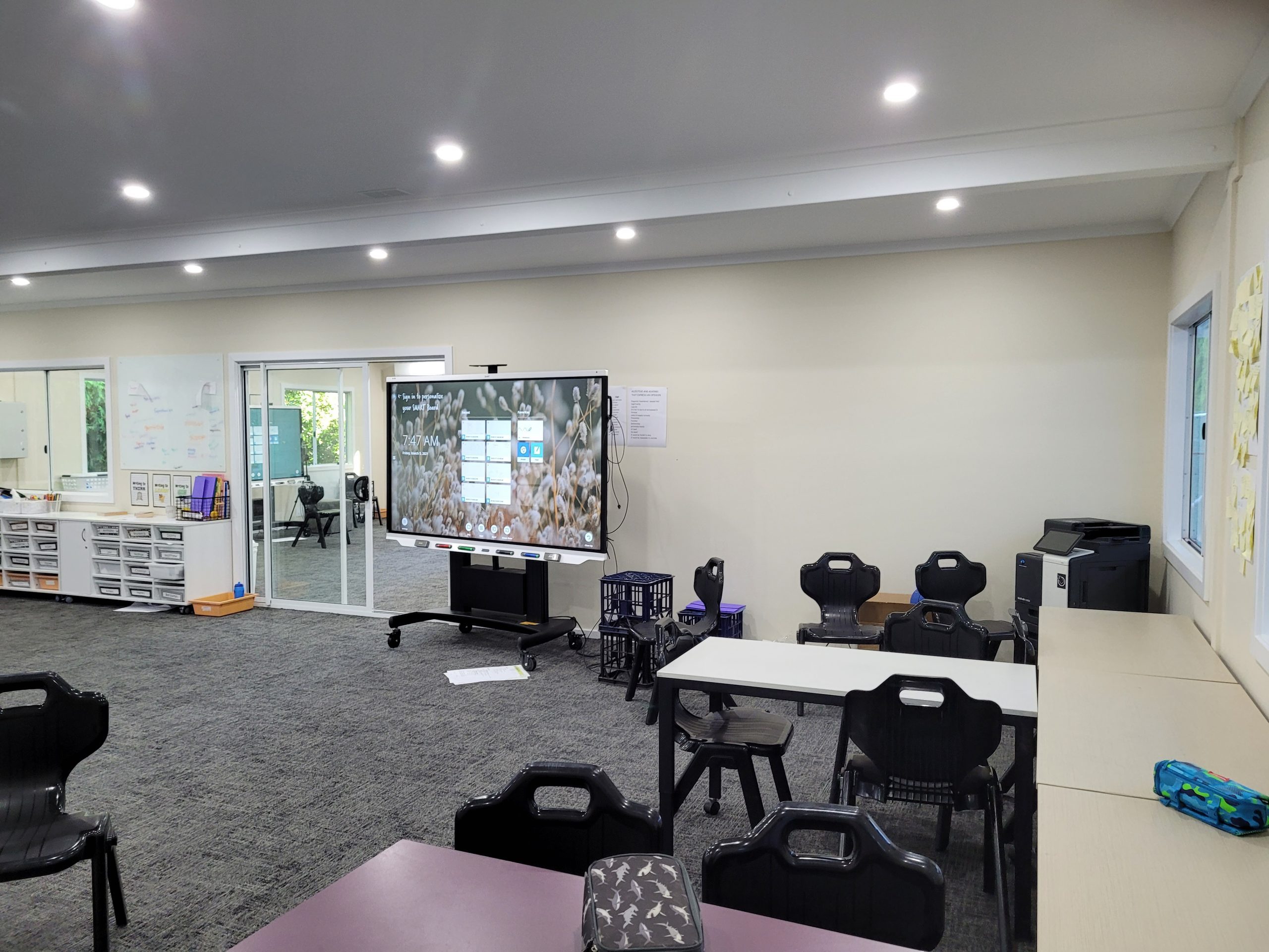 Interior demountable classroom