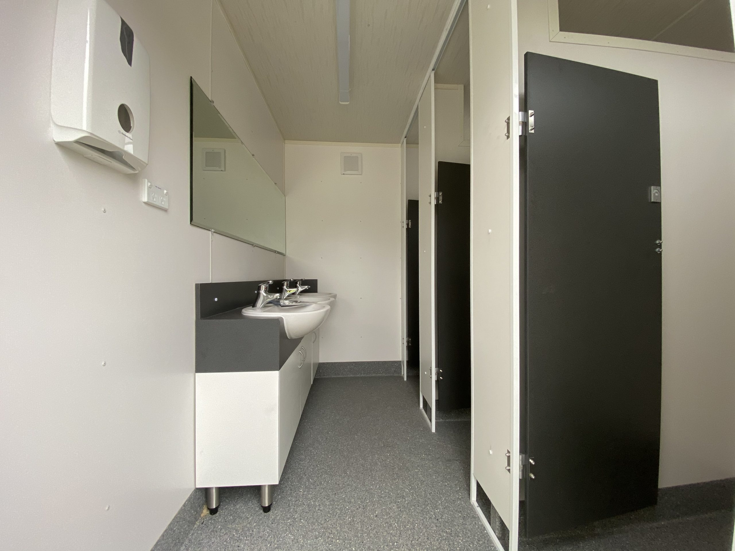 Ablution block with sinks